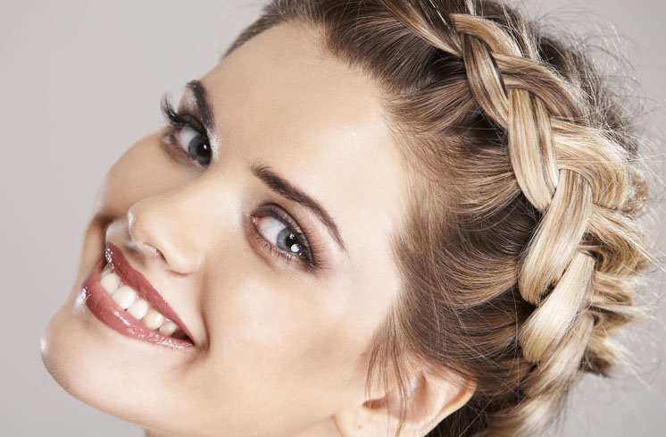Wedding Hair Style – How To Do Perfect Party Beautiful, But Formal Look